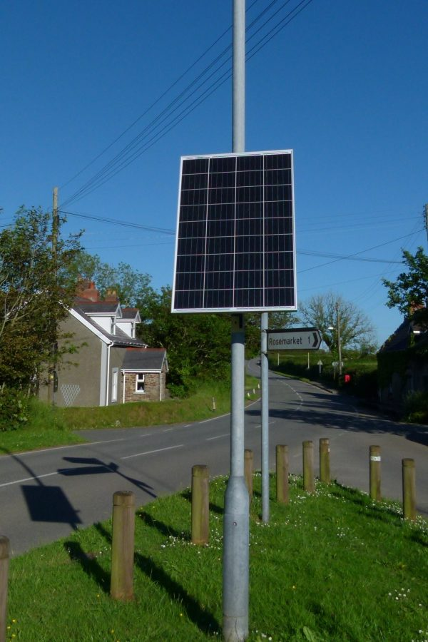 Solar panel mounting system for 76 or 89mm lamp posts or columns